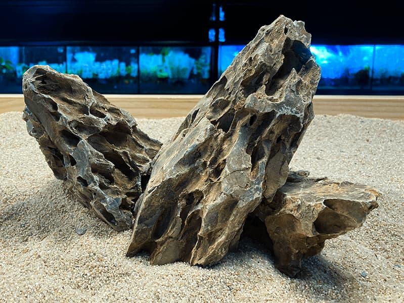 Roca para acuarios de agua dulce DRAGON STONE GREEN, la puedes comprar en nascapers.